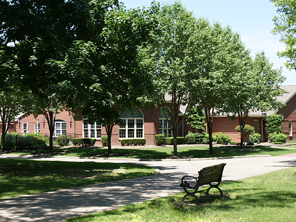 Photo of the Lyndhurst Community Center.